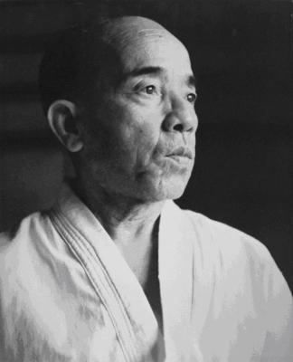 SHIMABUKURO ZENRYO (島袋 善良) SENSEI - OKINAWA SHORIN RYU SEIBUKAN KARATE