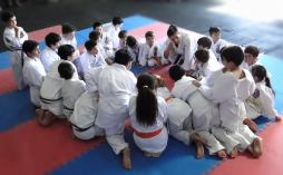 DIEGO SENSEI leading a Children Karate Class - Los Angeles Chile 2019