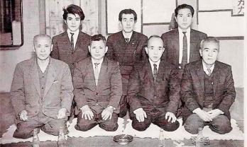 TOP LINE: Zensi Shimabuku - Isamu Tamotsu - Joen Nakazato BOTTOM LINE: Shinsuke Kaneshima - Tatsuo Shimabuku (島袋 龍夫 ) - Zenryo Shimabukuro (島袋 善良) - Nakama Chozo (名嘉真 朝増 )